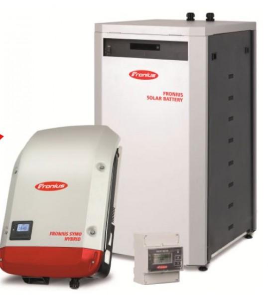 Netzeinspeiser Fronius Symo Hybrid 5.0-3-S und Lithiumbatterie Fronius Solar Battery 9.0